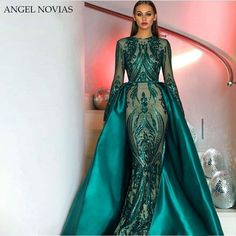 modabelle Green Sequin Long Sleeve Evening Dresses Muslim 2018 With Detachable Train Bling Moroccan Kaftan Formal Gowns Party. Evening Gowns With Sleeves, Prom Dresses Long With Sleeves, Prom Dresses 2018, Mermaid Prom Dresses, Formal Dresses, Formal Prom, Elegant Evening Gowns, Maxi Dresses, Beaded Prom Dress
