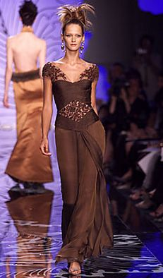 Valentino Fall 2001 Couture