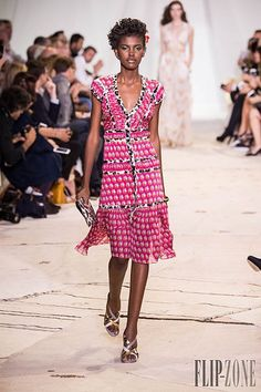 Diane von Furstenberg Spring-summer 2016 - Ready-to-Wear Short Sleeve Dresses, Dresses With Sleeves, Spring Summer 2016, Diane Von Furstenberg, Ready To Wear, Runway, House Styles, Photos, How To Wear