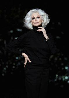 Carmen Dell'orefice, Dark Grey Hair, Grey Wig, Gray Hair, Frontal Hairstyles, Cool Hairstyles, Medium Hairstyles, Braided Hairstyles, Wedding Hairstyles