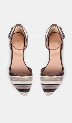 Pointed toe flats - Bella