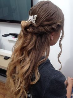 Twist and double knot prom hairstyle