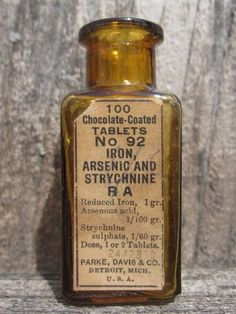 "Vintage 1940s Armour Laboratories Chicago Medicine Bottle Magic Elixir Amber 4"" Fixing Prices According To Quality Of Products Decorative Arts"