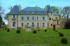 [For sale] At the heart of the Bourbonnais in Allier, this beautifully renovated manor house is located a few kilometers from Moulins center in a property of 11ha. With a surface area of 520 m², it has 21 rooms including 11 bedrooms. Numerous outbuildings include a caretaker's house or cottage, a barn, a beautiful chapel, a swimming pool and a farm building furnished with stables ...  #Luxuryrealestate #immobilier #forsalefrance #forsalerbourbonnais #forsalemanor