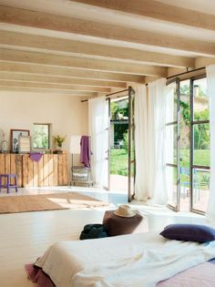 Αχυρώνας 150 χρονών μετατράπηκε σε άνετο και φιλόξενο σπίτι..