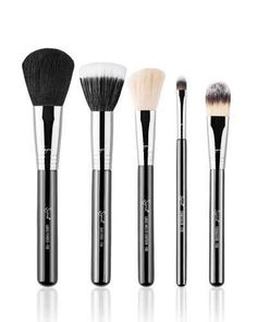 A flawless complexion is the foundation to a perfected face look and with this brush set it's become so easy. With a brush chosen to perfect nearly every possible imperfection when creating a seamless base, Sigma Basic Face Kit offers professional make Contour With Eyeshadow, Concealer Brush, Contouring And Highlighting, Contour Brush, Pastel Eyeshadow, Face Brush Set, Brush Sets, Faces Cosmetics, It Cosmetics Brushes