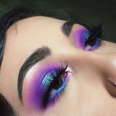 Image about blue in Makeup Looks 💄 by ChannieBby is part of eye-makeup - Shared by ChannieBby Find images and videos about blue, makeup and purple on We Heart It the app to get lost in what you love Rave Makeup, Glam Makeup, Pretty Makeup, Skin Makeup, Makeup Inspo, Makeup Inspiration, Makeup Ideas, Girls Makeup, Makeup Geek