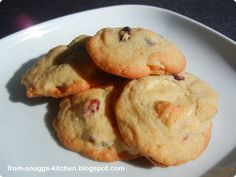 cookies with cranberries, white chocolate & macadamia nuts / cranberry-macadamia-weiße schokolade kekse