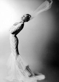 Candice Swanepoel in Valentino Haute Couture