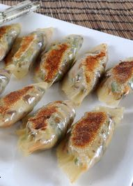 Healthy Vegetable Pot Stickers! Delicious and easy to make, not to mention low calorie! | for the love of cooking