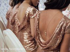 Esta elegante cadena de espalda es perfecta para tu vestido sin espalda. Está hecho de latón chapado en oro rosa.  La longitud de la cadena (sin gotas) es de 25 pulgadas (63,5 cm). La longitud...