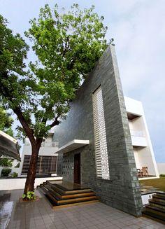 The Wall House, Bharuch |   By: Dipen Gada & Associates, Vadodara
