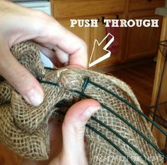 Burlap Wreath Tutorial but I will use Tulle instead!