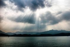 Watching the sun rays leaking through reason clouds by the bay on sharp island.  #sun #sunray #travel #photooftheday #backpacking #travelers #photography #beautiful #adventures #explore #wanderlust #amazing #likes #instadaily #travelphotography #bestoftheday #igers #instatravel #fun #nice #pics #life #instacool #colorful #hot #pretty #hkig