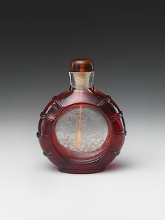 Red Glass 'Floral' Snuff Bottle