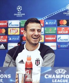 Oguzhan Ozyakup champions league laugh
