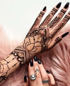 Free Henna Tattoo Design- You Can Do Best Henna Drawings At Home New 2019 – Page 7 of 32 – eeasyknitting. com Free Henna Tattoo Design- You Can Do Best Henna Drawings. Henna Tattoo Designs, Mehndi Designs, Henna Tattoo Hand, Tattoo Trend, Henna Designs Easy, Hand Mehndi, Henna Art, Mandala Tattoo, Henna On Hand