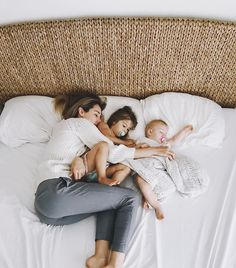 Pin by brittney holley on mommy & me family kids, mom, baby, cute famil Cute Family, Baby Family, Family Goals, Family Kids, Baby Girl Photography, Family Photography, Mom And Baby, Mommy And Me, Cute Kids