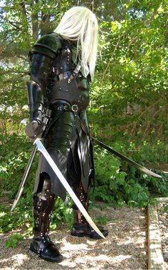 This is my version of Drizzt Do 'Urden the Drow ranger from the books by R. Salvatore and loosely based on the illustrations of Todd Lockwood. Drizzt Do 'Urden 1 Fantasy Books, Fantasy Characters, Fantasy Art, Amazing Cosplay, Best Cosplay, Drizzt Do Urden, Ranger Armor, Cgi, Daughter Of Smoke And Bone