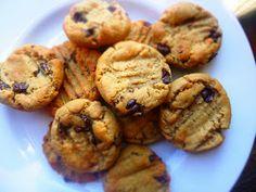 Tie-Dye Cheetahs: Devilishly Tasty Vegan Peanut Butter & Choc Chip Cookies