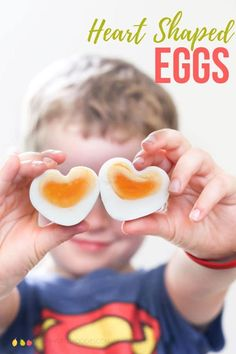 How cute are these Heart Shaped Eggs! They are so easy to make and no special moulds are needed A great Valentine's snack! Valentines Day Food, Valentines For Kids, Valentine Recipes, Toddler Meals, Kids Meals, Toddler Food, Egg Recipes For Kids, Toddler Recipes, Healthy Packed Lunches