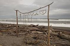 Cute washing line made of driftwood!