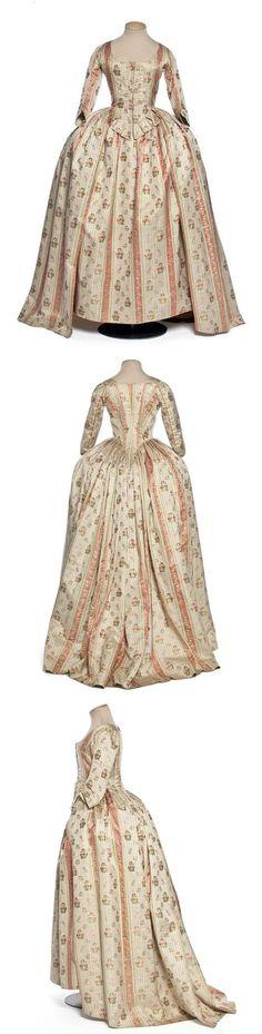 Robe à l'Anglaise, France, 1780-1785, Chinese silk, brocade, cotton. | les arts decoratifs