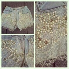 Find images and videos about look, shorts and diy on We Heart It - the app to get lost in what you love. Diy Shorts, Lace Shorts, Shabby Chic Outfits, Shorts Bordado, Painted Jeans, Embellished Jeans, Denim And Lace, Diy Clothing, Denim Fashion