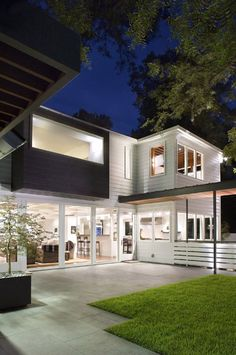 Exterior:Architecture: Incredible Residence Home Design Exterior Decorated Modern Exterior Tile For House Flooring Walls Installation Floor . Exterior Tiles, Exterior Design, Modern Exterior, Style At Home, Rivera Maison, Houses In Austin, Weatherboard House, Queenslander, Architecture Résidentielle