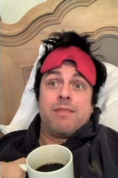 For everything Green Day check out Iomoio Punk Rock Song, Rock Songs, Green Day Songs, Billie Green Day, Song Memes, Jason White, American Idiot, Theatre Problems, Billie Joe Armstrong