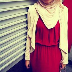 Red dress white cardigan n a ivory/white hijab  Perf! Nothing beats that