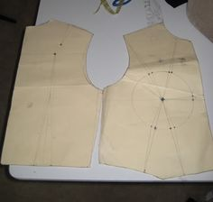 method for making a corset with cups Tutorial Part Patterning Dress Sewing Patterns, Sewing Patterns Free, Sewing Tutorials, Sewing Projects, Corset Tutorial, Costume Tutorial, Sewing Bras, Sewing Lingerie, Diy Corset