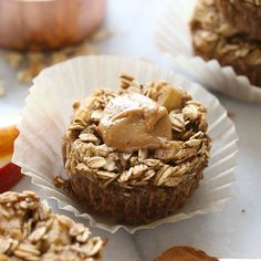 The oatmeal cup of all oatmeal cups is here! You must make these peanut butter chocolate chip baked oatmeal cups for a healthy breakfast idea all week long. Healthy Oatmeal Recipes, Healthy Peanut Butter, Healthy Foods, Healthy Fit, Healthy Treats, Healthy Eating, Baked Apple Oatmeal, Chocolate Chip Oatmeal, Chocolate Cups