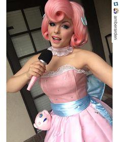Jigglypuff cosplay. So cute!!! :D