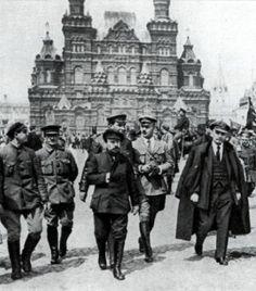 Vladmir Ilyich Ulyanov, Lenin in Red Square, May 1919