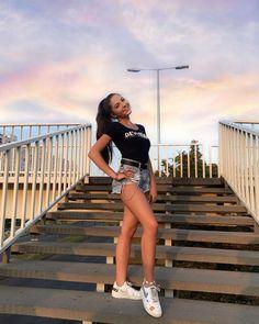 Devon, White Shorts, Stairways, Instagram, Women, Fashion, Stairs, Moda, Staircases