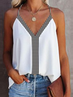 Stylish Clothes For Women, Stylish Tops, Look Fashion, Fashion Outfits, Chic Type, Sewing Blouses, Work Looks, Cami Tops, Summer Tops