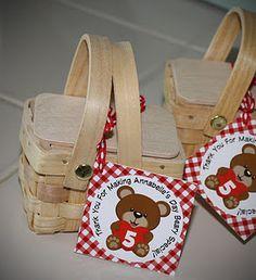Tiny picnic basket favors. Teddy Bear Picnic theme party :)