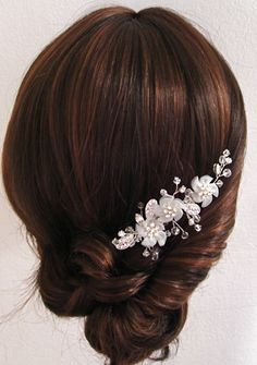 Bridal comb, with chiffon flowers.