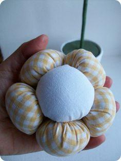 TUTORIAL: DIY Plush Flower Pots Centerpiece by Bird's Party