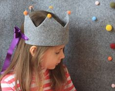 Grey felt kids crown baby dress up crown birthday crown Make A Crown, Crown For Kids, Diy Crown, Diy For Kids, Crafts For Kids, Fabric Crown, Crown Template, Heart Template, Butterfly Template