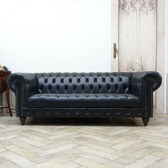 Urban Furniture, Chesterfield Sofa, Cribs, Couch, Antiques, Classic, Home Decor, Street Furniture, Cots