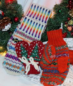 Ravelry: Makin' Mittens pattern by Lynette Meek free pattern until Jan 2nd