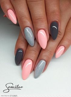 gelnägel natur rosa, lange spitze nägel, hellrosa in kombination mit grau You are in the right place about trendy nails Here we offer you the most bea Long Pointed Nails, Cute Nail Art Designs, Grey Nail Designs, Almond Acrylic Nails, Acrylic Nails For Summer Almond, Fall Almond Nails, Black Almond Nails, Gray Nails, Black Nails