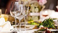 Trucos para cenar fuera de casa sin pasarse y quedar satisfecho. http://www.farmaciafrancesa.com