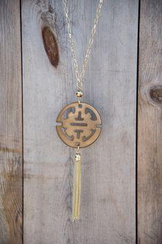 Zen Resin Pendant Necklace - Tan