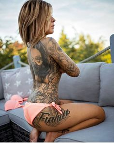 @inked_frances 🔥🔥 . . . . #ink #inked #inkedgirls #tattoo #tattoos #body #girlswithtattoos #girlswithink #photography #art #gorgeous . .