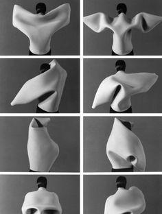 Maria Blaisse: escultura prêt-à-porter - 3d Fashion, Fashion Details, Fashion Design, Origami Fashion, Issey Miyake, Textiles, Mode Portfolio Layout, Textile Manipulation, Kleidung Design