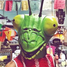 Who wants to be the grass to my hopper?  #halloween #costumeideas #grasshopper #mask #F4F #stylish #outfitoftheday #shopping #instafollow