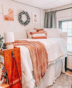 College Bedroom Decor, Cool Dorm Rooms, College Dorm Rooms, Room Ideas Bedroom, Dorm Design, Dorm Room Designs, My New Room, Decoration, Dorm Ideas